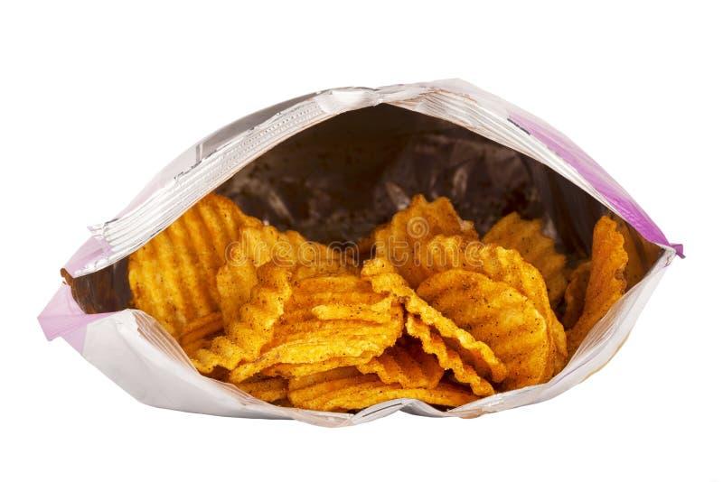Vooraanzicht van een geopende die zak van chips op wit worden geïsoleerd royalty-vrije stock foto