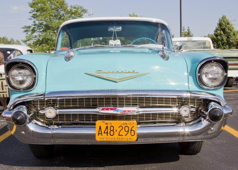 Vooraanzicht van het Bel Air Chevy van het poeder het Blauwe & Witte 1957 royalty-vrije stock afbeeldingen