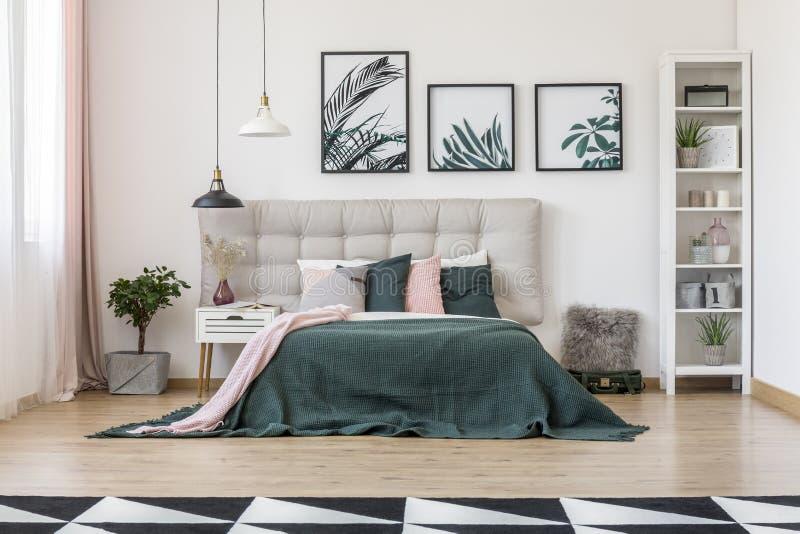 Vooraanzicht van slaapkamer royalty-vrije stock afbeelding
