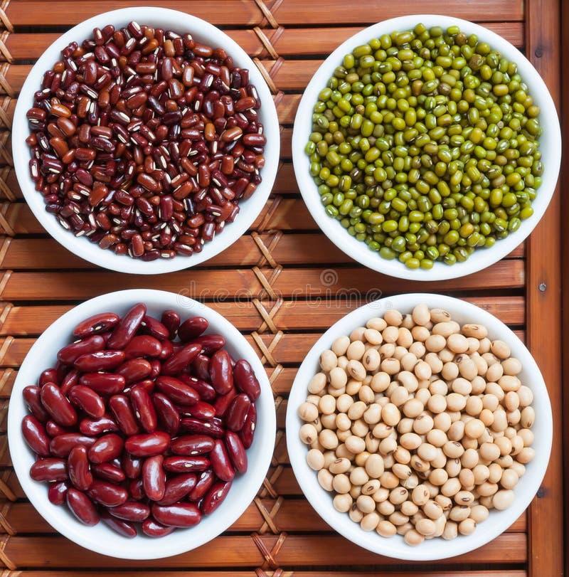 Voorbereide greenbean en multikleurenboon stock afbeelding