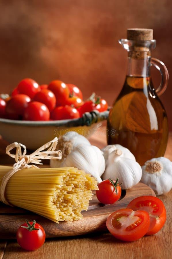 Voorbereiding van de Italiaanse Deegwaren van de Spaghetti stock fotografie
