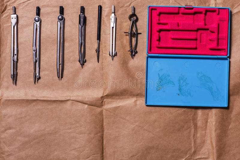 Voorbereidingen voor de verwezenlijking van tekeningen stock foto