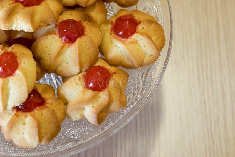 Voorbereidingsfase van Italiaanse desserts stock foto's
