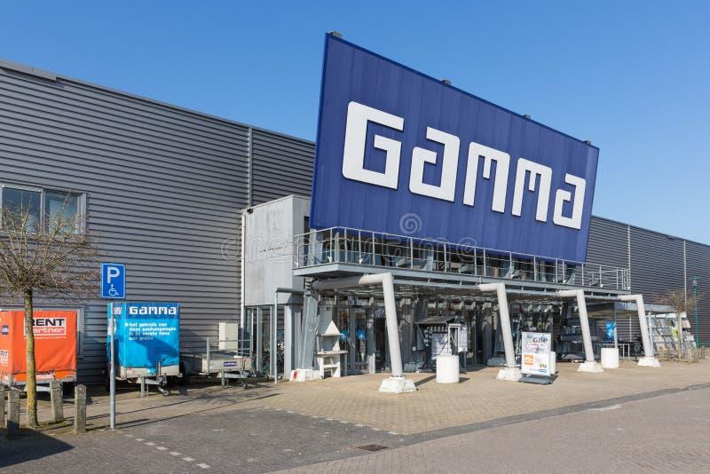 Voorgevel van de Gamma van de bouwmarkt met de bouw van hulpmiddelen en materiaal stock afbeeldingen