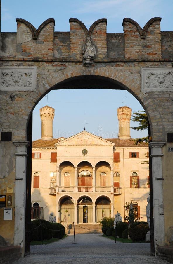 Voorgevel van de Villa Giustinian in Roncade in de provincie van Treviso in Veneto (Italië) stock foto