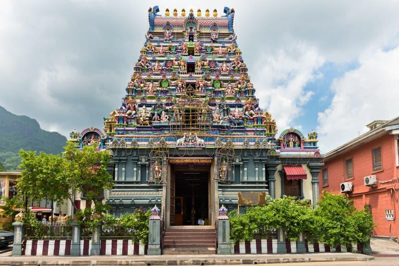 Voorgevel van een Hindoese tempel in Victoria, Mahe, Seychellen stock afbeelding