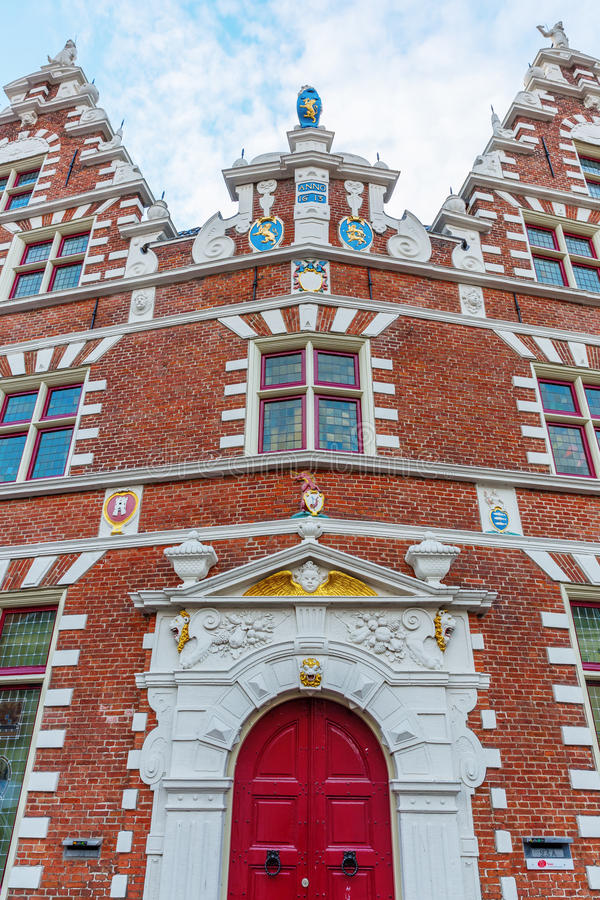 Voorgevel van een historisch gebouw in Hoorn, Nederland royalty-vrije stock fotografie