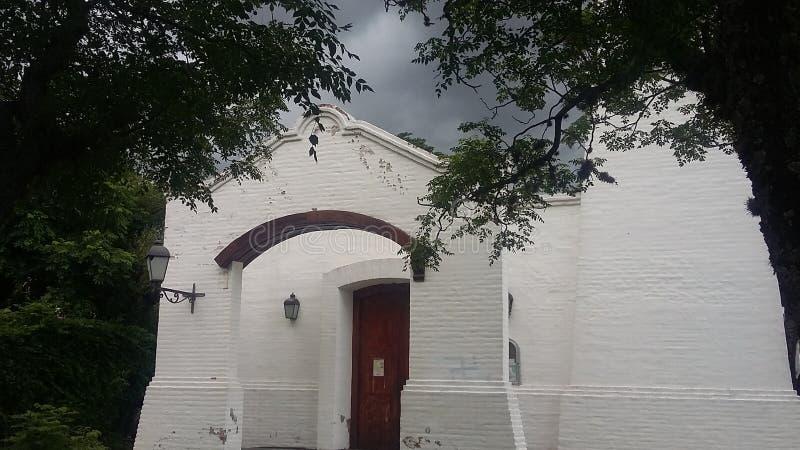 Voorgevel van een oude kerk in Merlo, San Luis, Argentinië royalty-vrije stock foto's