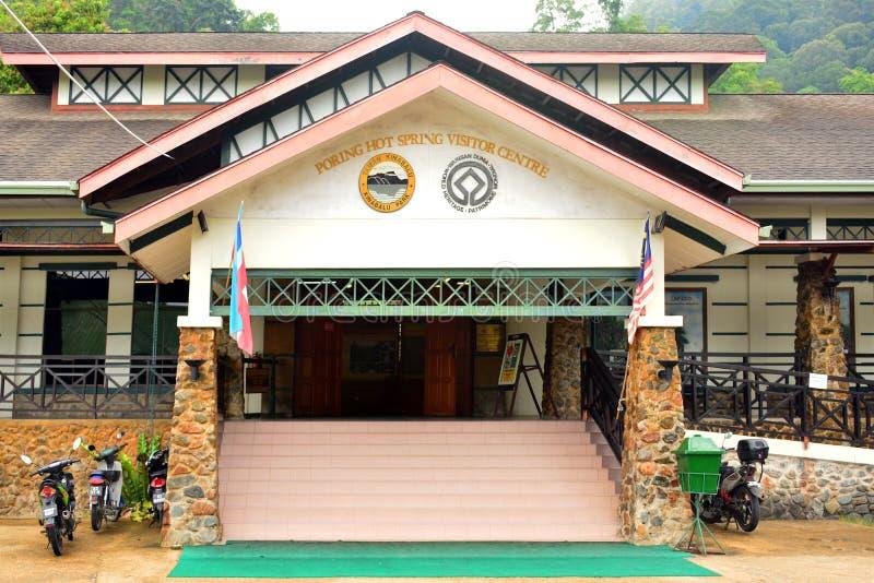 Voorgevel van het de Bezoekercentrum van de Porings de Hete Lente in Sabah, Maleisië stock afbeelding