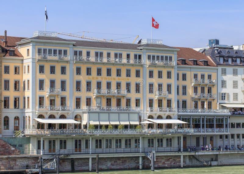 Voorgevel van het Grote Hotel Les Trois Rois in Bazel stock foto