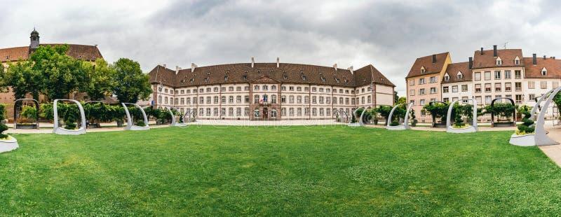 Voorgevel van het ziekenhuis in Colmar royalty-vrije stock foto's