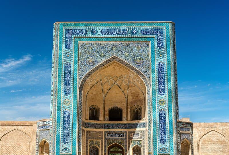Voorgevel van Kalyan Mosque in Boukhara, Oezbekistan royalty-vrije stock foto