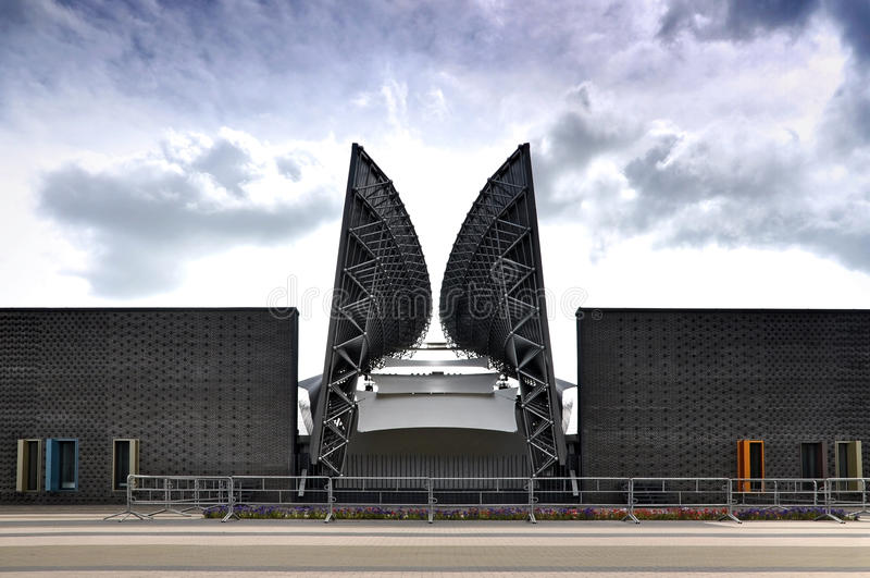 Voorgevel van modern amfitheater in Wit-Rusland stock foto