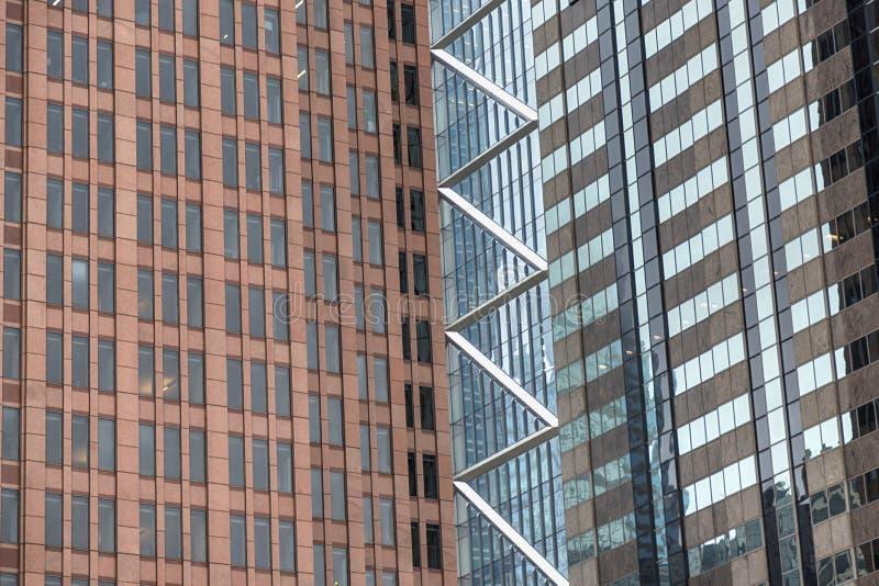 Voorgevel van moderne bureaugebouwen Details van de moderne wolkenkrabber Philadelphia, Pennsylvania, de V.S. royalty-vrije stock afbeelding