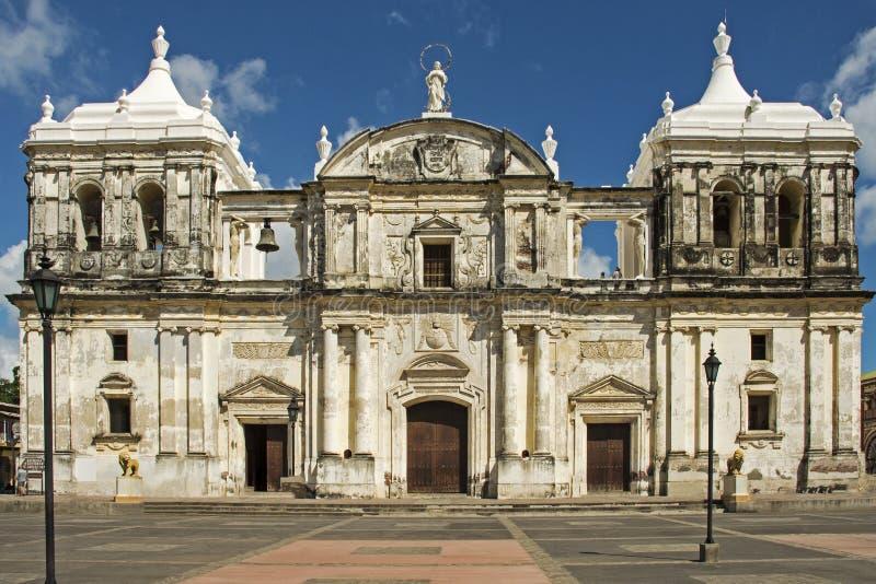 Voorgevel van Nicaraguan kathedraal royalty-vrije stock fotografie