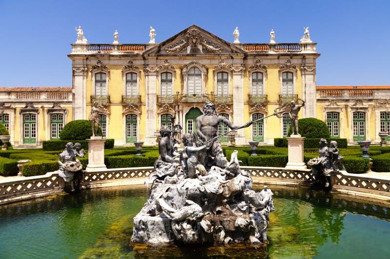 Voorgevel van Queluz-Paleis - Portugal royalty-vrije stock foto