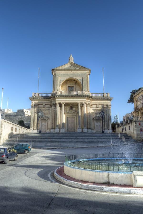 Voorgevel van St Joseph Church in Kalkara Malta HDR stock afbeeldingen