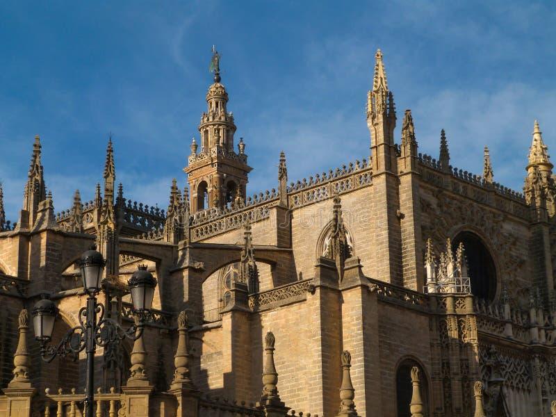 Voorgevelkathedraal van Sevilla stock foto's