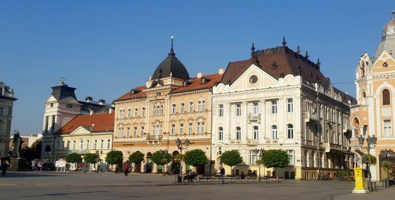 Voorgevels van gebouwen in het centrum van Novi Sad, Servië royalty-vrije stock foto