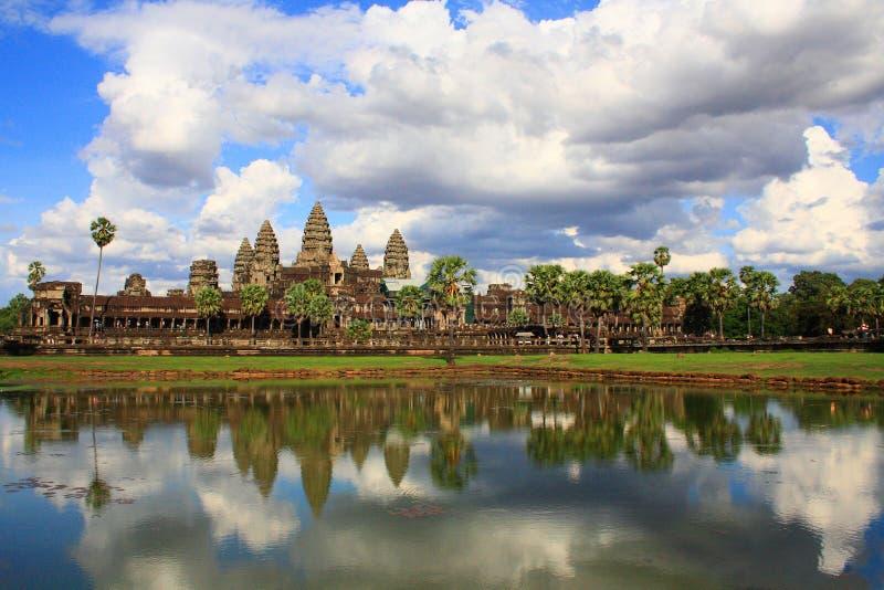Voorkant van hoofd complexe Angkor Wat, Kambodja stock fotografie