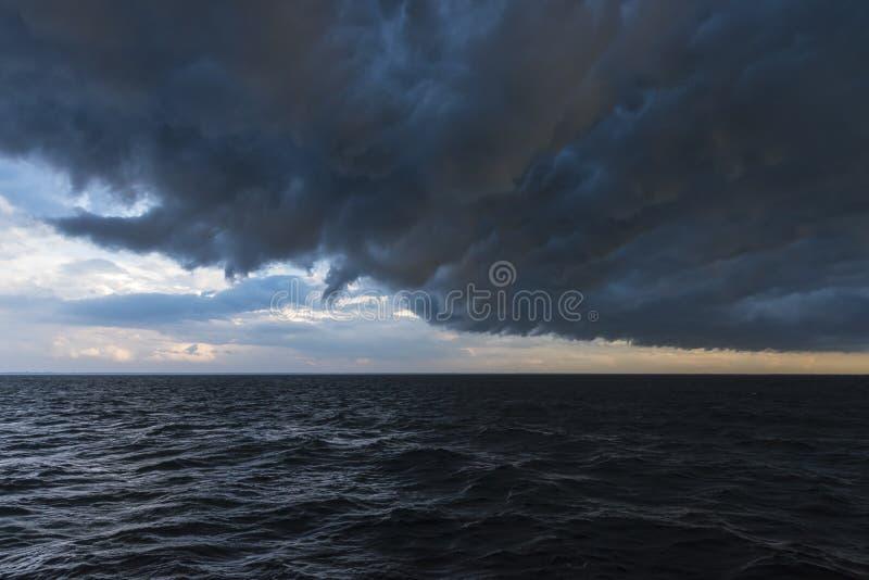 Voorpassage op zee Polen stock afbeeldingen