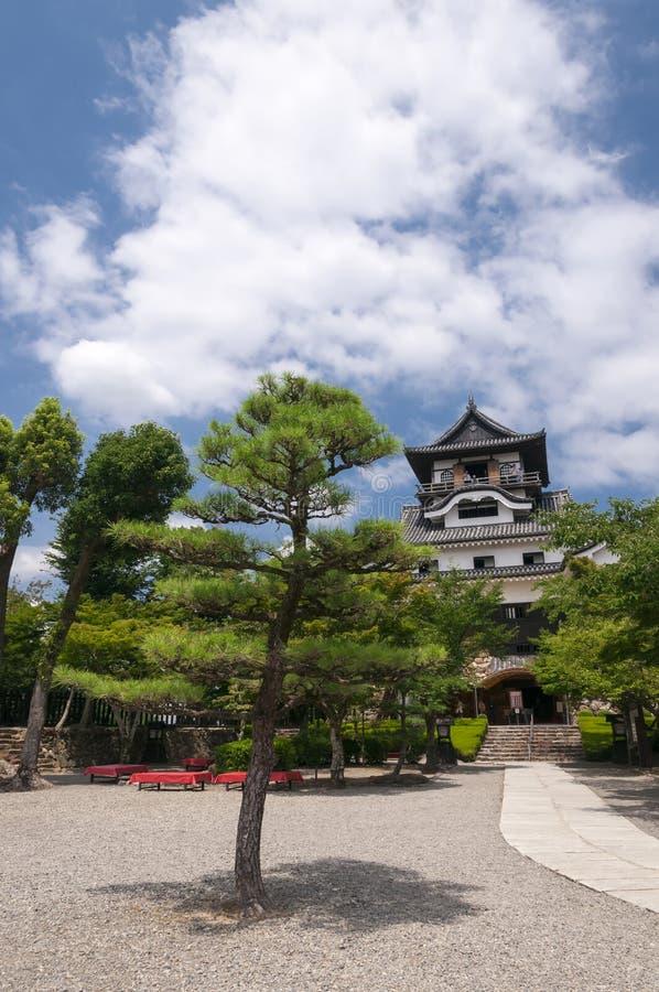 Voorwerf van Inuyama-kasteel stock afbeeldingen