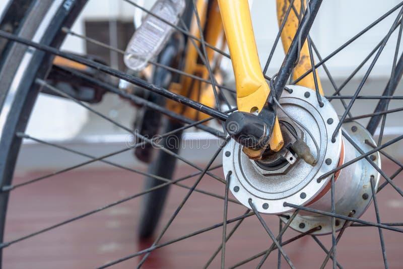 Voorwiel van een fiets royalty-vrije stock fotografie