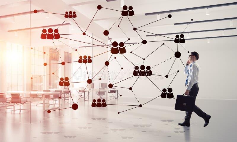 Voorzien van een netwerk en sociaal communicatie concept als effici?nt punt voor moderne zaken royalty-vrije stock afbeeldingen