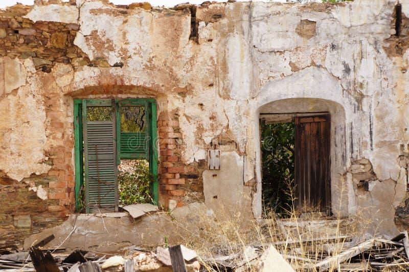 Voorzijde met vensters royalty-vrije stock afbeelding
