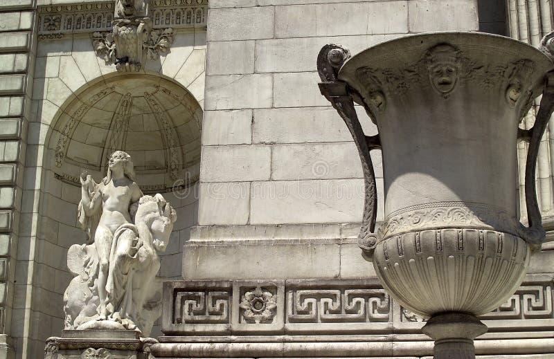 Voorzijde van de Openbare Bibliotheek van New York royalty-vrije stock afbeelding