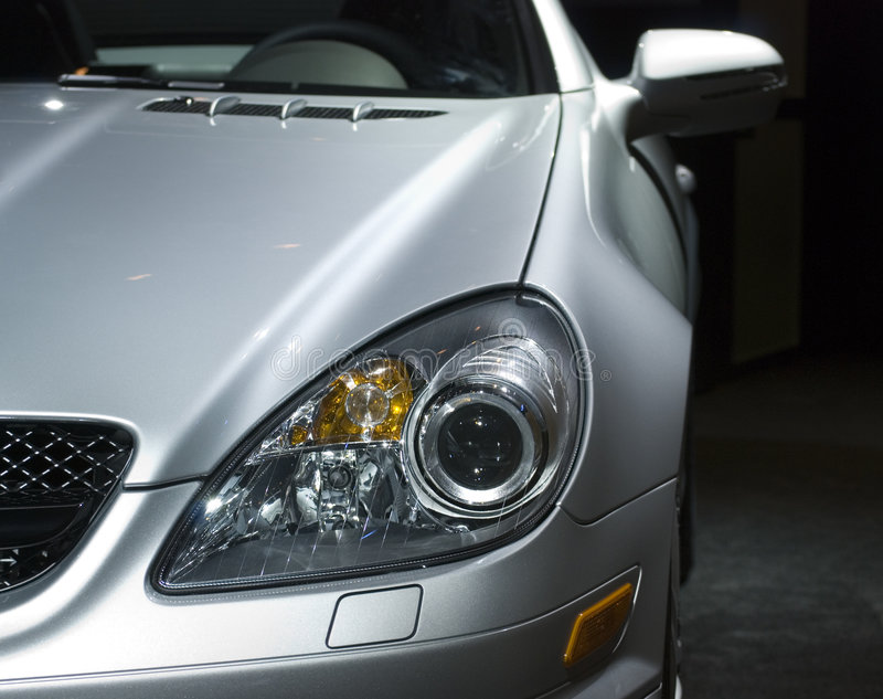 Voorzijde van een dure sportwagen royalty-vrije stock foto