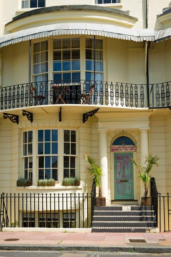 Voorzijde van een mooi huis royalty-vrije stock fotografie