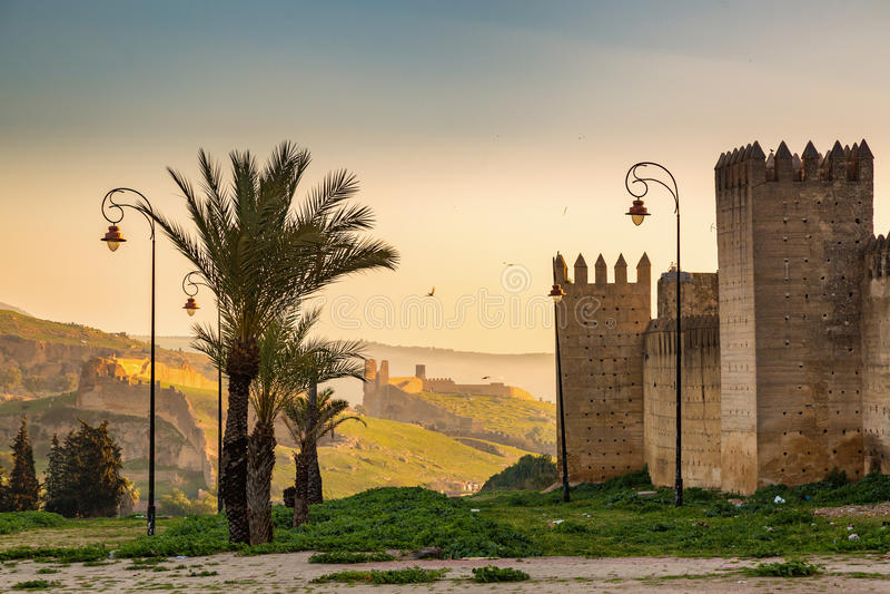 Vor den Wänden von Medina Fes, Marokko stockfoto