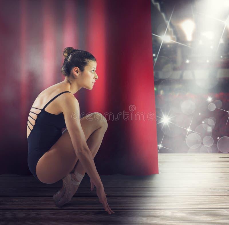 Vor der Tanzshow stockbilder