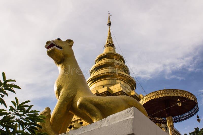 Vora de Wat Pra That Chomthong de statue de rat vihan photos libres de droits