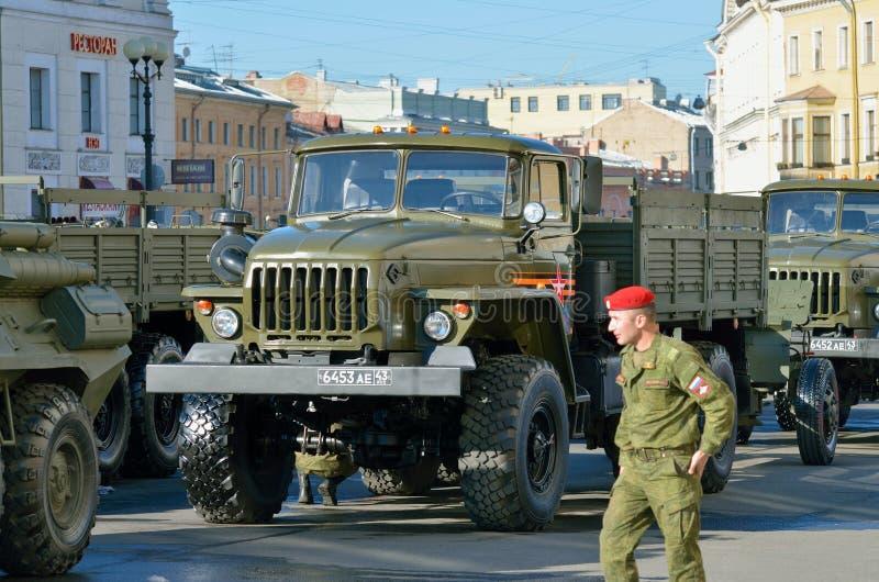 Am Vorabend der Parade zu Victory Day stockfotos