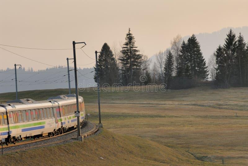Voralpen-Express bei Sattel stockfoto