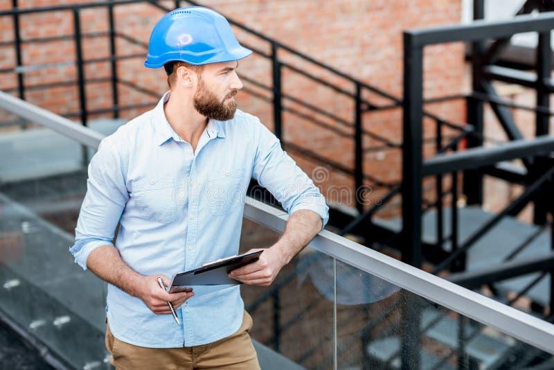 Vorarbeiter auf der Struktur lizenzfreies stockfoto