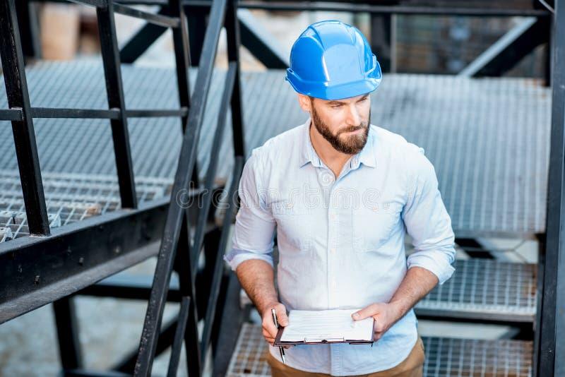Vorarbeiter auf der Strukturtreppe lizenzfreie stockfotos
