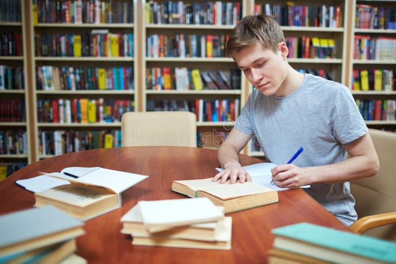 Vorbereiten der Aufgabe für Lektion lizenzfreies stockbild