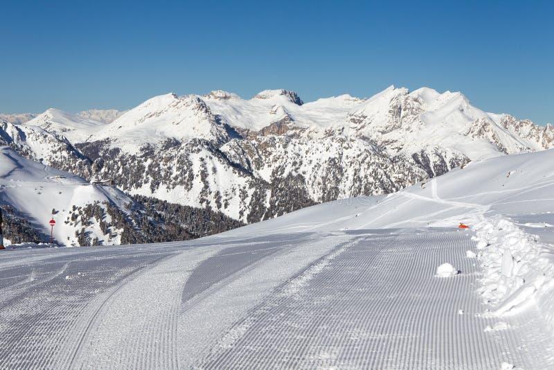 Vorbereitete Skisteigung lizenzfreies stockfoto
