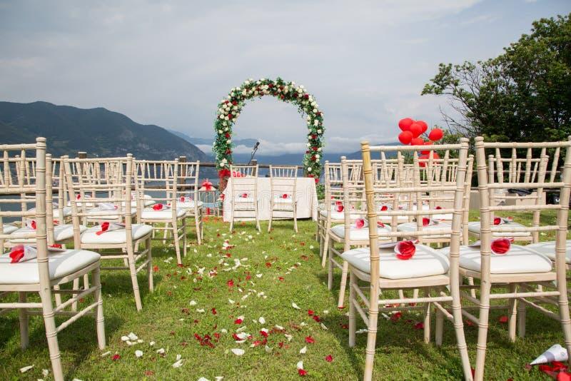 Vorbereitungen und Dekoration vor der Zeremonie stockbild