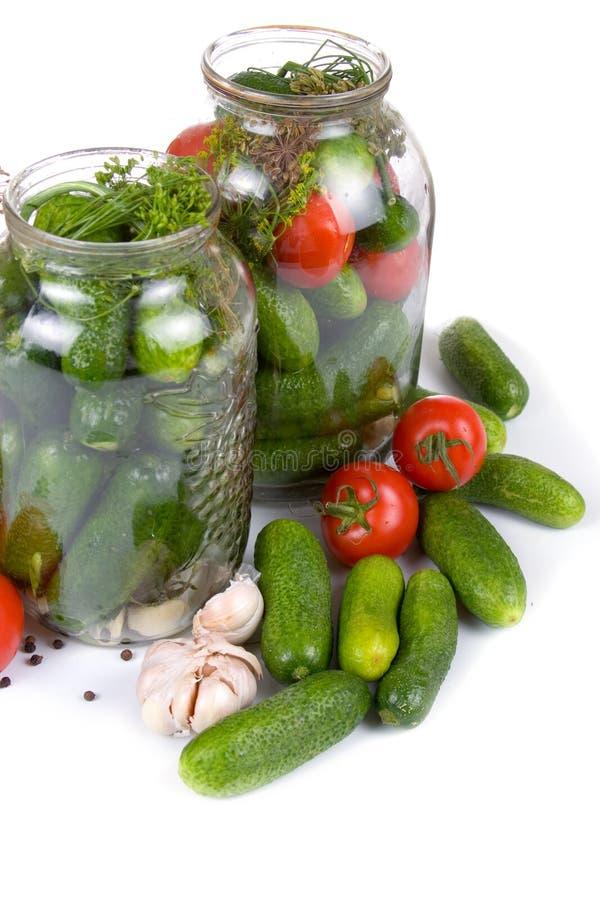 Vorbereitungsgemüse für das Salzen lizenzfreies stockbild