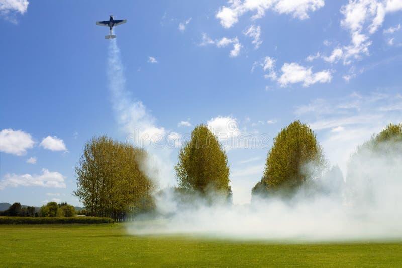 Download Vorbildliches Flugwesen Der Flugzeuge Stockfoto - Bild von wiese, blau: 27728396