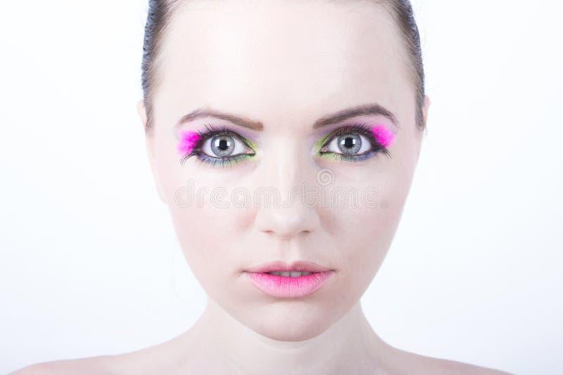 Vorbildliches Foto der Kosmetik mit klarem Gesicht lizenzfreie stockfotografie
