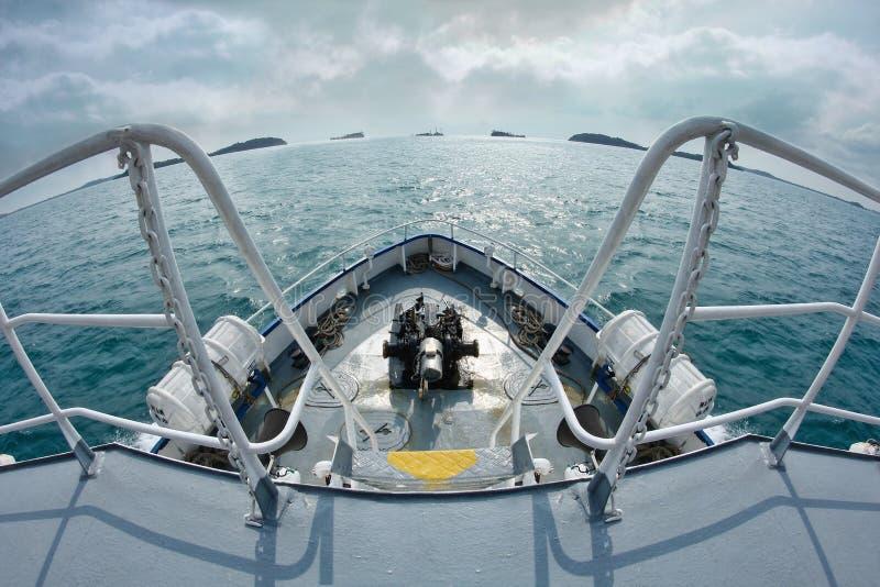 Vorderansicht der Bootsreise stockfoto