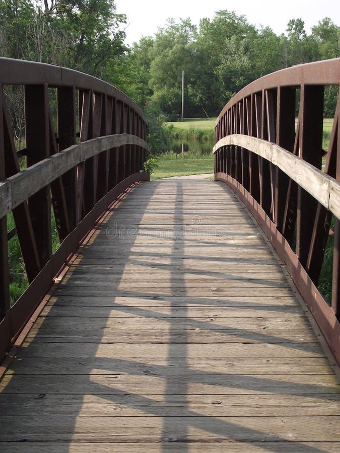 Vorderansicht der Brücke stockbilder