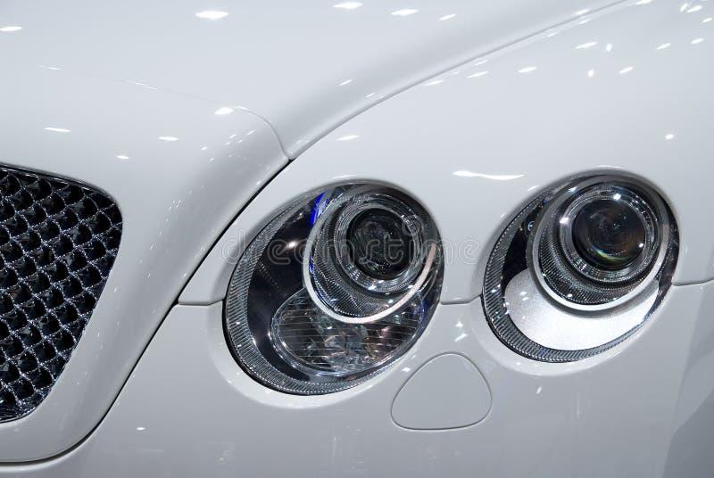 Vorderes Detail des Luxuxautos stockfoto