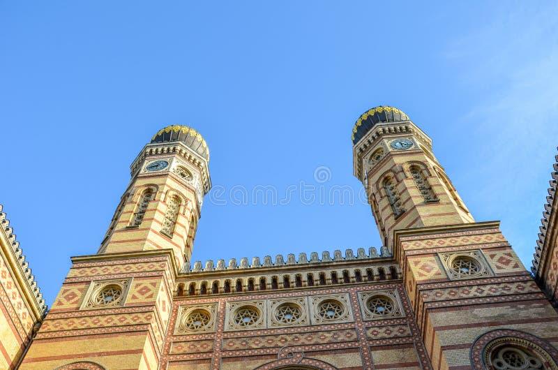 Vorderseite Fassade der Großen Synagoge in der ungarisch-Budapester Dohany Street Synagoge, der größten Synagoge Europas Zentrum lizenzfreie stockfotos