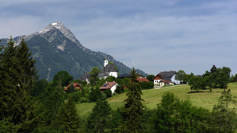 Vorderstoder, totalizadores Gebirge, Oberosterreich, Áustria foto de stock royalty free